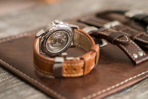 Automatické švýcarské hodinky Doxa